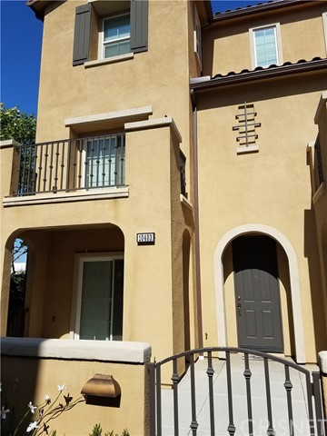 Townhouse for Sale at 10403 Persimmon Court Santa Fe Springs, California 90670 United States