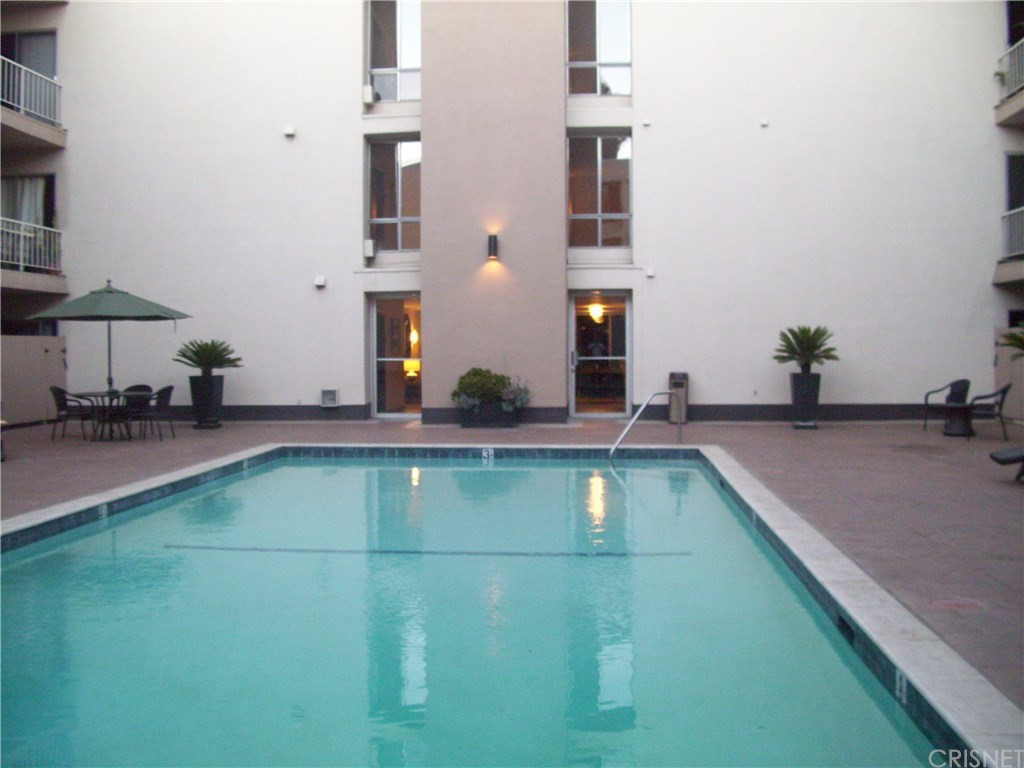 Property for sale at 927 NORTH KINGS ROAD #210, West Los Angeles,  CA 90069