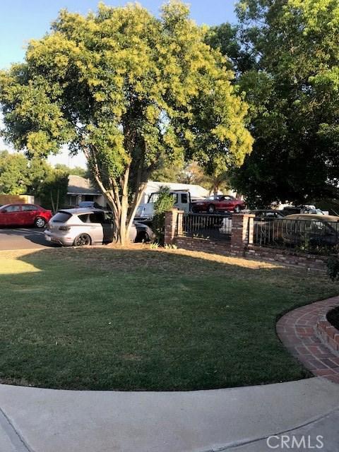 6857 Quakertown Avenue, Winnetka CA: http://media.crmls.org/mediascn/31c60d87-de65-4c29-9a2c-996b5242d1d6.jpg
