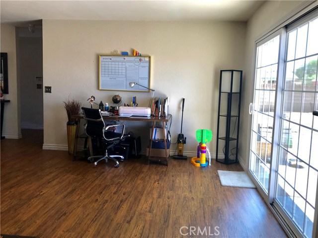 38017 13th E Street, Palmdale CA: http://media.crmls.org/mediascn/32018c1a-f43f-4829-901b-d2faab40e9c3.jpg