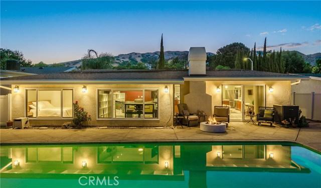 17460 Tuscan Drive, Granada Hills CA: http://media.crmls.org/mediascn/321b1b63-bb1c-40c5-9fc3-3aed06915273.jpg