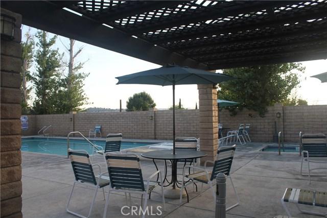 27631 Nugget Drive, Canyon Country CA: http://media.crmls.org/mediascn/328833ab-99c3-4a6b-a5c5-0d90e9008731.jpg