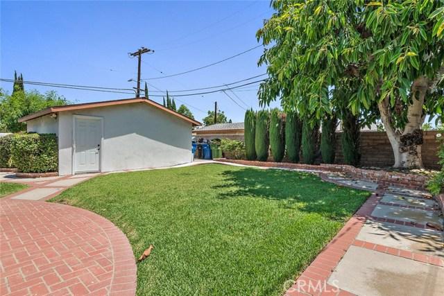 10624 Gaviota Avenue, Granada Hills CA: http://media.crmls.org/mediascn/32d2a185-80a8-4d6f-a807-8cd692973ac3.jpg