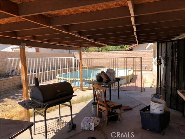 1236 Donatello Street, Lancaster CA: http://media.crmls.org/mediascn/32f50d65-f746-42c8-b7ad-38eb14b23703.jpg
