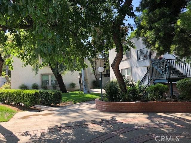 18620 Hatteras Street, Tarzana CA: http://media.crmls.org/mediascn/32f8af0b-6b31-420d-bcd2-47b0a6500610.jpg