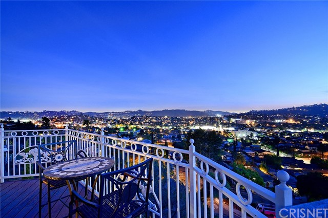 Single Family Home for Sale at 1365 Avenue 57 N Highland Park, California 90042 United States