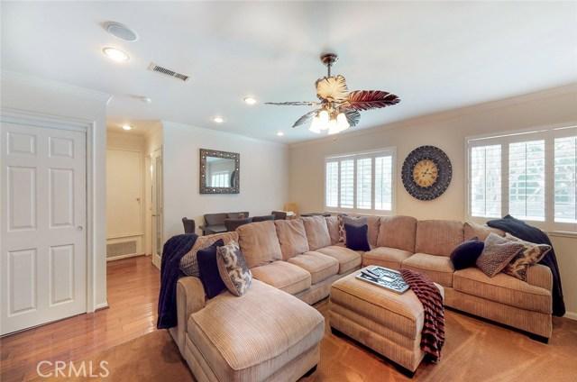 11725 Balboa Boulevard, Granada Hills CA: http://media.crmls.org/mediascn/33424f24-6fed-43d0-a02d-ab5c830b9b5d.jpg