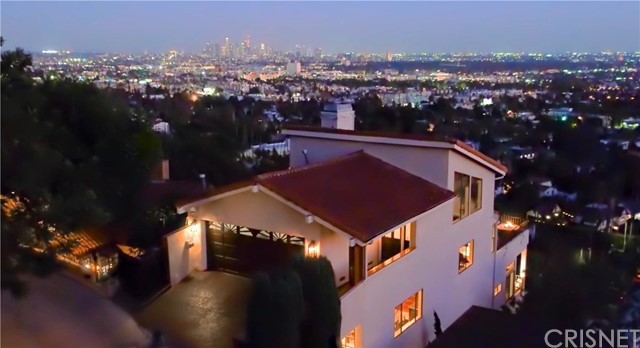 7866 Fareholm Dr, Los Angeles, CA 90046 Photo 2