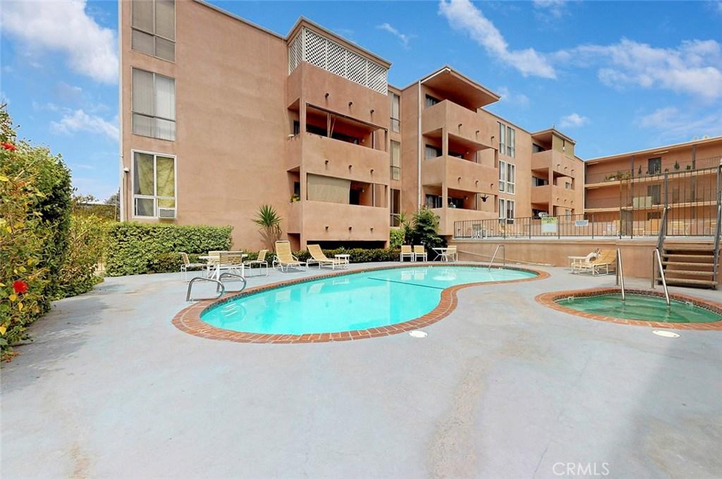 Photo of 5454 ZELZAH AVENUE #109, Encino, CA 91316