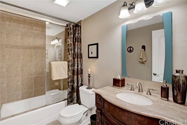 5254 Corteen Place, Valley Village CA: http://media.crmls.org/mediascn/33d8129b-b9ac-469c-a681-65ad18fb76e1.jpg