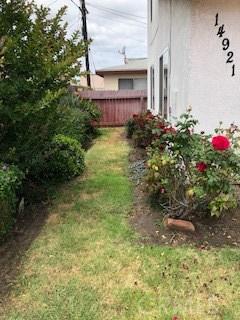 14919 Larch Avenue, Lawndale CA: http://media.crmls.org/mediascn/33dc3547-56e8-49b5-81fb-b22b92ac3818.jpg