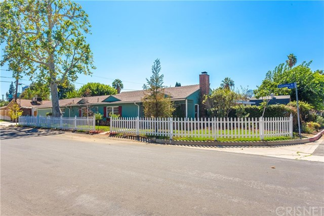 Property for sale at 15200 Valleyheart Drive, Sherman Oaks,  CA 91403