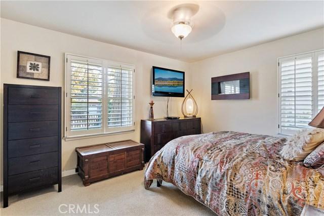 15149 Weddington Street, Sherman Oaks CA: http://media.crmls.org/mediascn/3404d05e-1efa-4a1e-88c4-015376206716.jpg