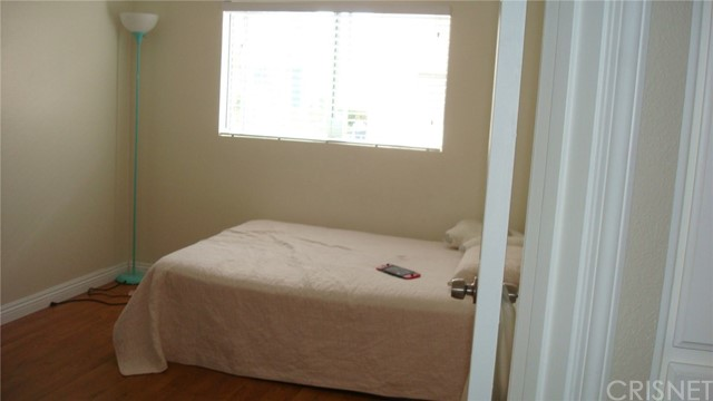 13144 Bromont Avenue, Sylmar CA: http://media.crmls.org/mediascn/3413cf6b-e79a-4700-bfa5-127e7665df05.jpg