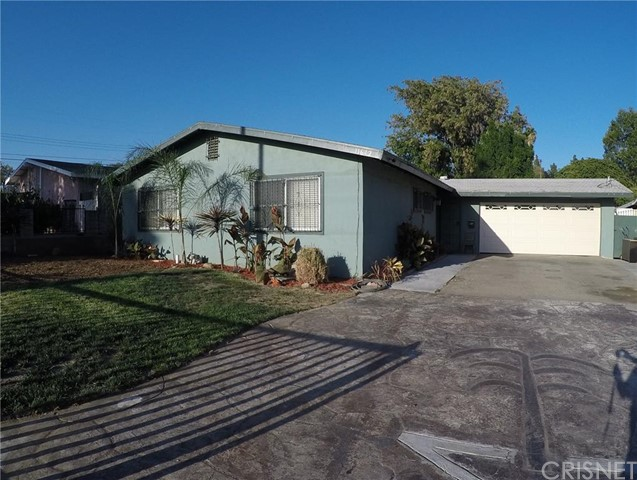 Property for sale at 11642 Hunnewell Avenue, Sylmar,  CA 91342
