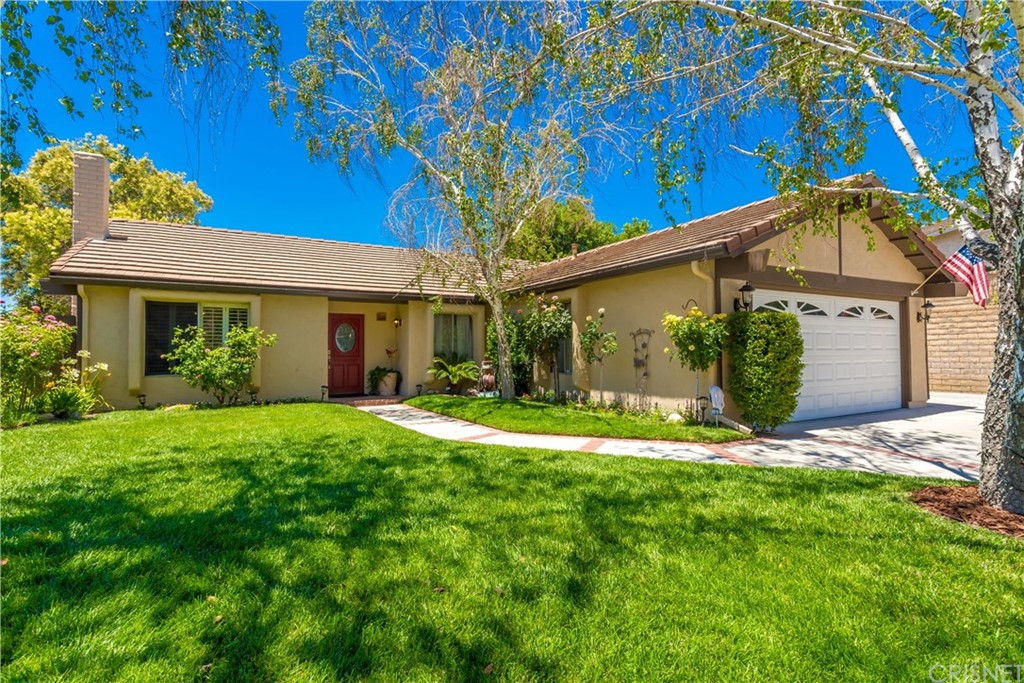 Property for sale at 18711 Cedar Valley Way, Newhall,  CA 91321