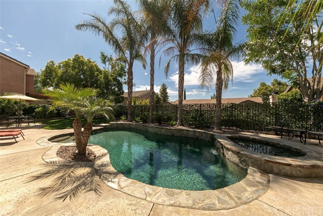 28268 Canyon Crest Dr, Canyon Country, CA 91351 Photo