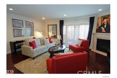 11911 Mayfield Avenue, Los Angeles CA: http://media.crmls.org/mediascn/35a561b3-29fb-4567-b88d-91f85ba7e2fe.jpg