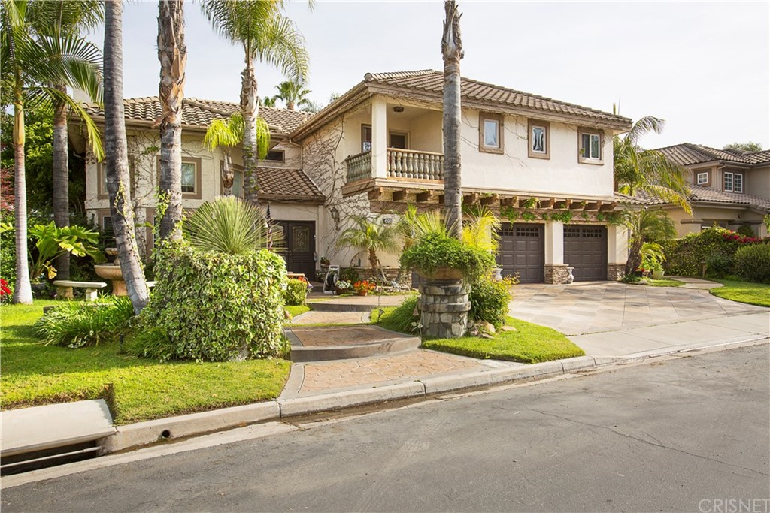 691 Larchmont Street, Simi Valley, CA 93065