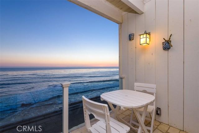 11874 Beach Club Way, Malibu CA: http://media.crmls.org/mediascn/35be68d3-2f17-4e4d-9259-56008a47e146.jpg