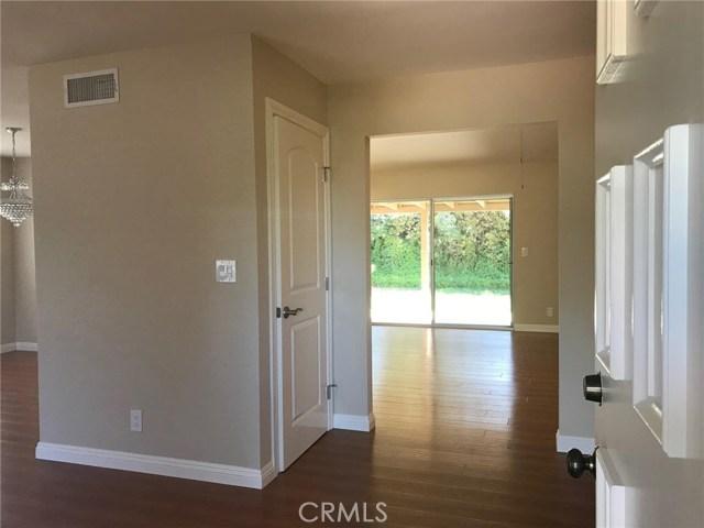 2778 Drummond Place, Thousand Oaks CA: http://media.crmls.org/mediascn/35dca595-e11b-497f-b51c-5420ae2d4028.jpg