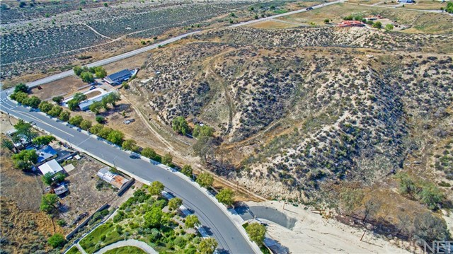 23111 Lowridge Saugus, CA 91390 is listed for sale as MLS Listing SR16101372