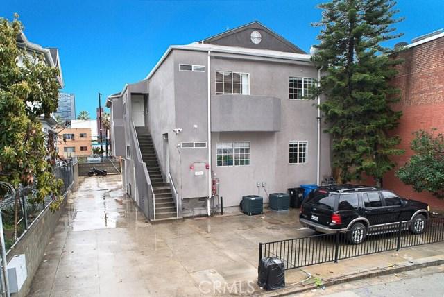 1050 S Burlington S Avenue, Los Angeles CA: http://media.crmls.org/mediascn/36a70cac-56f7-4911-8e4f-9f77f732a5f3.jpg