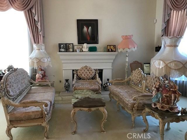 17806 Arvida Drive, Granada Hills CA: http://media.crmls.org/mediascn/36f94f45-c032-4b22-96fb-9626e7098f21.jpg