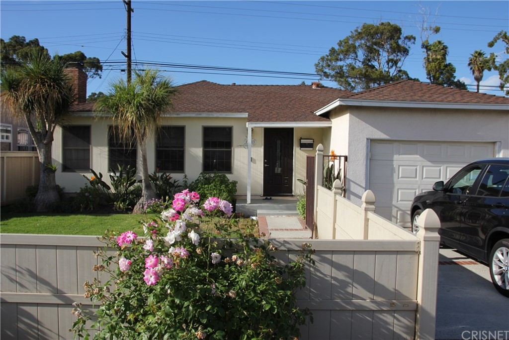 Property for sale at 12313 Alberta Drive, Culver City,  CA 90230