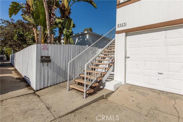 8601 W Cadillac Avenue, Los Angeles CA: http://media.crmls.org/mediascn/372022b5-c367-4bc1-871c-e225994e429a.jpg