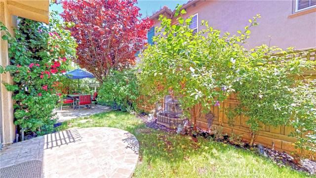 26900 Monterey Avenue, Valencia CA: http://media.crmls.org/mediascn/372642f3-f713-465a-88ed-76cba5d8d1db.jpg