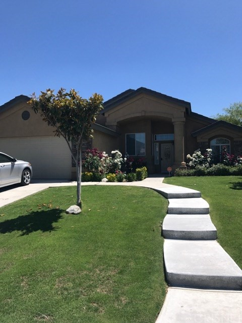 Single Family Home for Sale at 10311 Lerwick Avenue Bakersfield, California 93311 United States