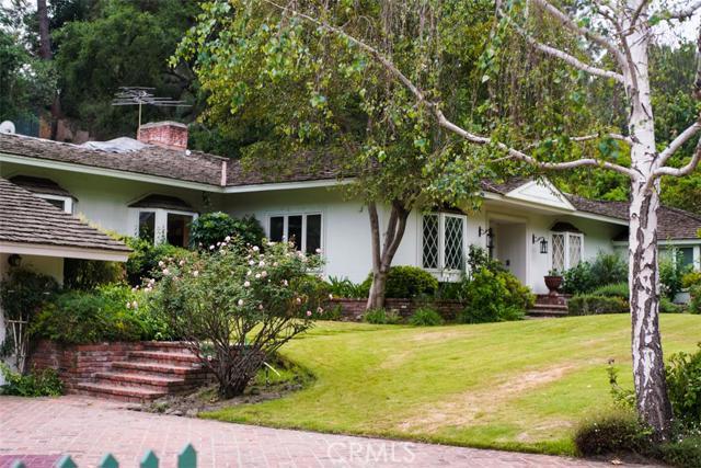 15638 Royal Oak Road, Encino CA 91436
