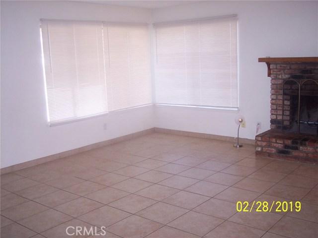 41449 152nd E Street, Lancaster CA: http://media.crmls.org/mediascn/379ac3bd-e475-42f4-87ef-704a35aa679d.jpg
