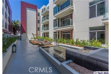 Condominium for Rent at 119 Los Robles Avenue S Pasadena, California 91101 United States