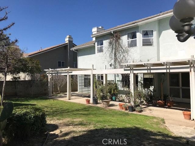 17806 Arvida Drive, Granada Hills CA: http://media.crmls.org/mediascn/37aa3546-da7e-4b2b-ad28-daad7a82521d.jpg