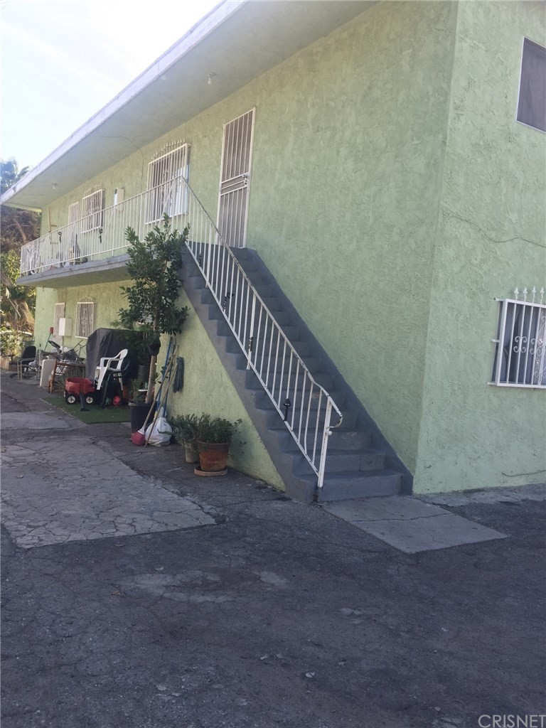 Property for sale at 1857 West 24th Street, Los Angeles,  CA 90018