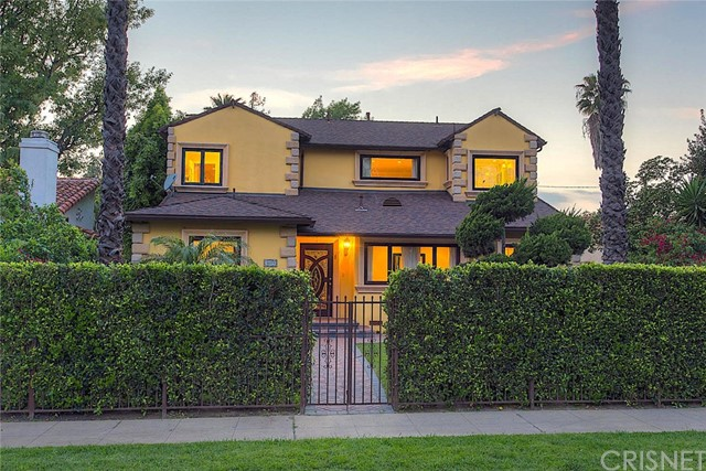 Single Family Home for Sale at 5059 Westpark Drive Valley Village, California 91601 United States
