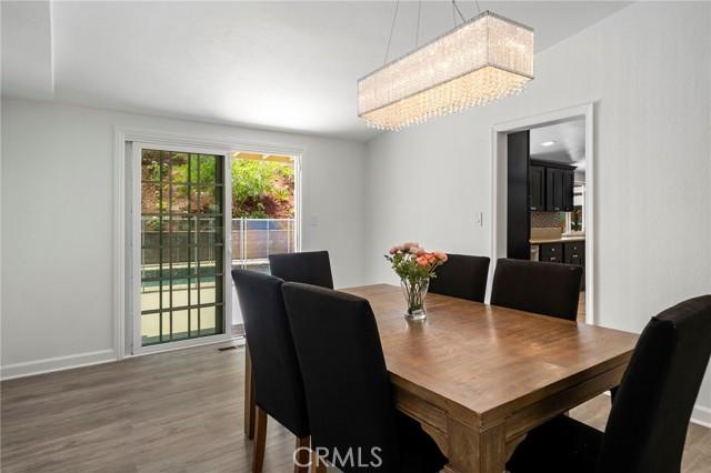 20324 Reaza Place, Woodland Hills CA: http://media.crmls.org/mediascn/3810a25e-fe15-495f-9fe4-1e23388c5976.jpg