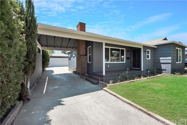 6633 Costello Avenue, Valley Glen CA: http://media.crmls.org/mediascn/385bdf0d-70e6-4984-accf-9d01a8bb4d40.jpg