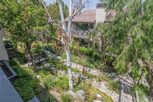 5711 Owensmouth Avenue, Woodland Hills CA: http://media.crmls.org/mediascn/38694d16-8bd3-4263-ac7c-410f038a54e9.jpg