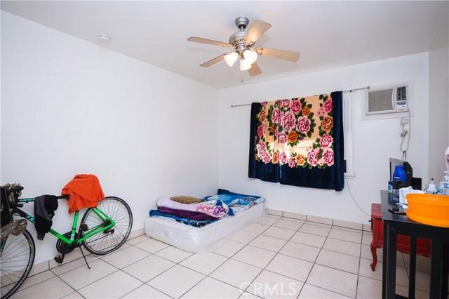 11345 Hatteras Street, North Hollywood CA: http://media.crmls.org/mediascn/388bd46c-3532-42c7-8a33-3ec83f57ef77.jpg