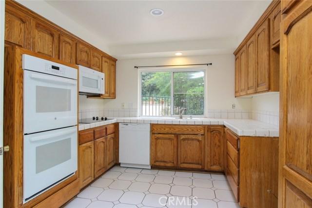 19136 Castlebay Lane, Porter Ranch CA: http://media.crmls.org/mediascn/38984dee-6092-436f-9933-3f8e264c4045.jpg
