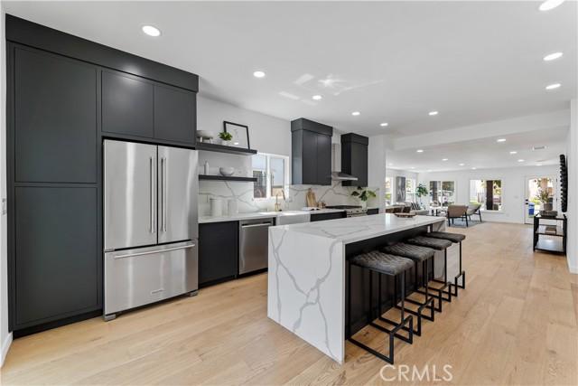 3436 Virginia Rd, Park Hills Heights, CA 90016