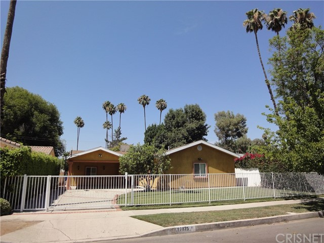 Single Family Home for Sale at 19825 Gilmore Street 19825 Gilmore Street Woodland Hills, California 91367 United States