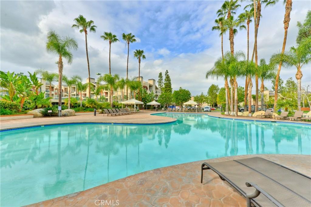 Photo of 5565 Canoga Avenue #206, Woodland Hills, CA 91367