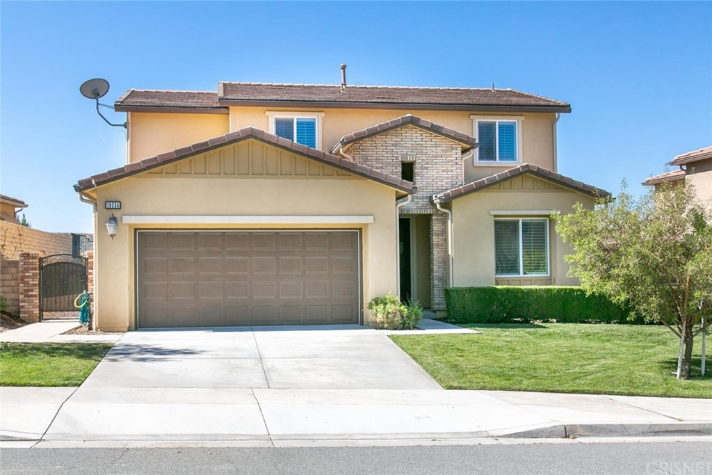 Property for sale at 19334 Lauren Lane, Saugus,  CA 91350