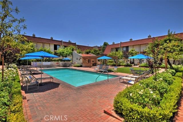 6221 1/2 Nita Avenue, Woodland Hills CA: http://media.crmls.org/mediascn/3a7f15ca-7954-4a6b-aca0-648781fa0278.jpg