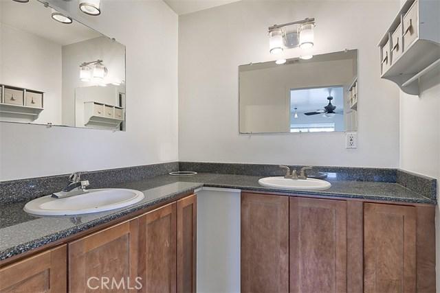 7642 Independence Avenue, Canoga Park CA: http://media.crmls.org/mediascn/3a8878cd-83c7-4f0a-b11d-416f6a8fc1cb.jpg
