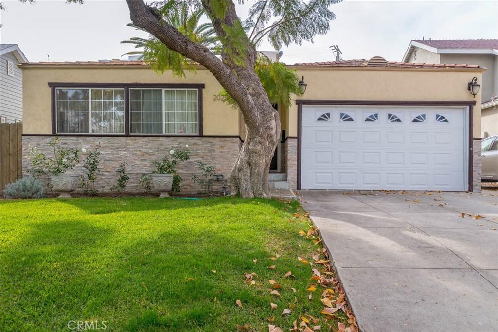Photo of 2025 Camden Avenue, Los Angeles, CA 90025